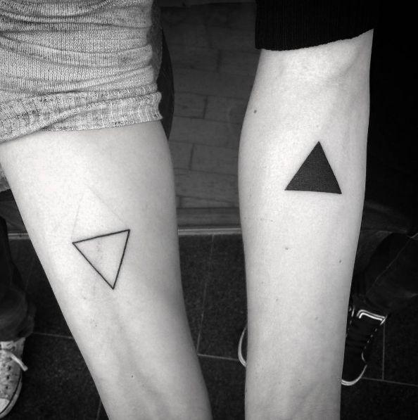 Porque se complementan…   21 Adorables ideas para hacerte un tatuaje con tu pareja