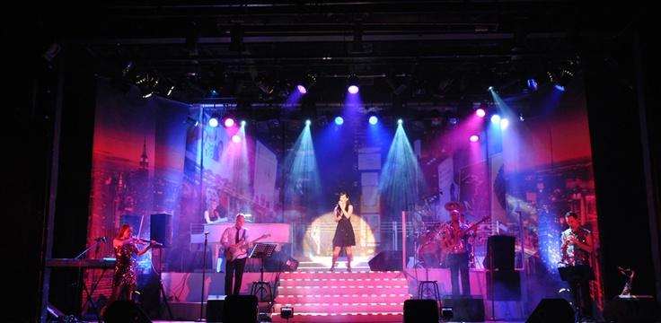 Sights in Johannesburg – Barnyard Theatre. Hg2Johannesburg.com.