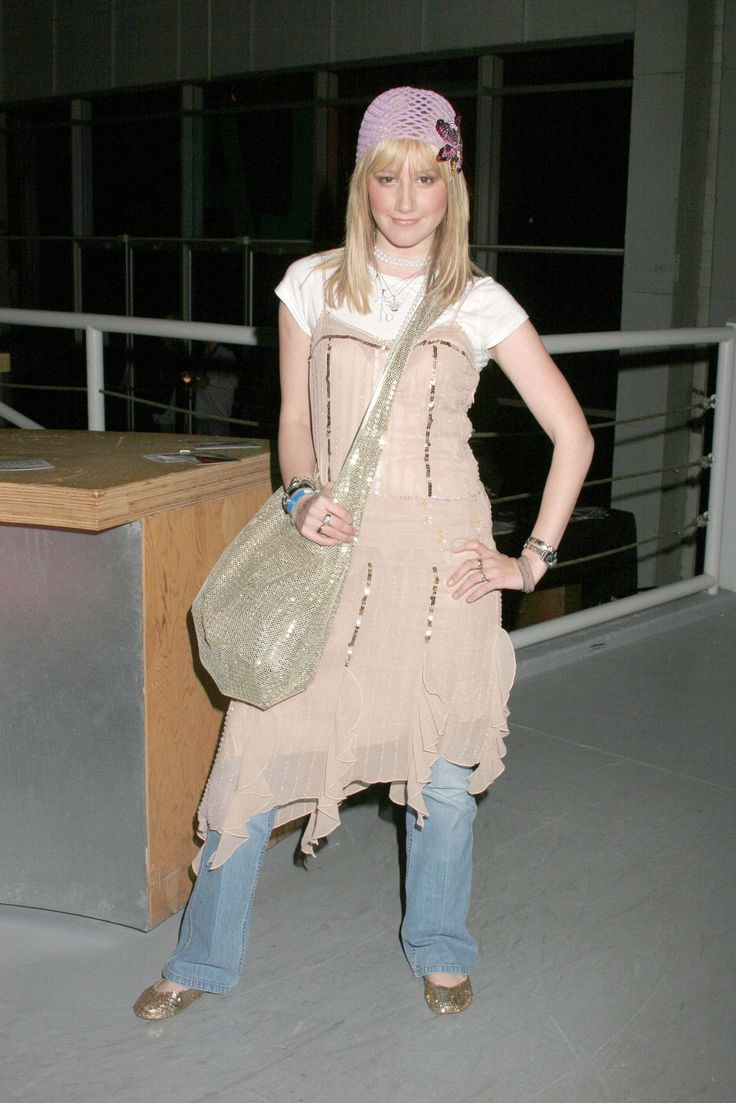 17 Best Ideas About Early 2000s Fashion On Pinterest 2000s Fashion Early 2000s And 1990s