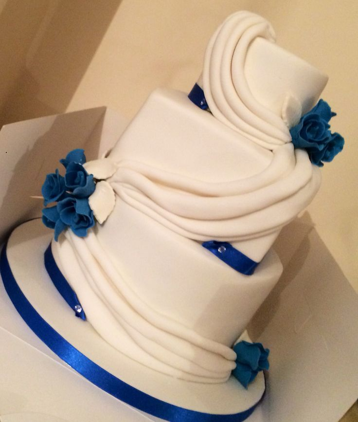 Blue white round square rose swags cake
