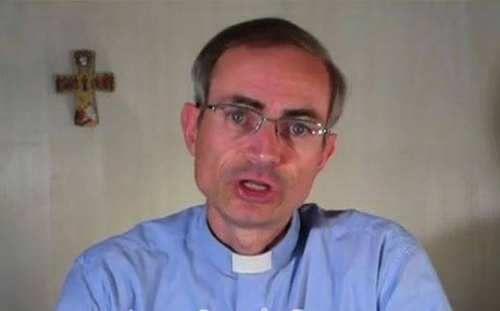 Attualià: #Scrive #libro su #gay e aborto . Censurato il frate cattolico (link: http://ift.tt/2lCQWRb )