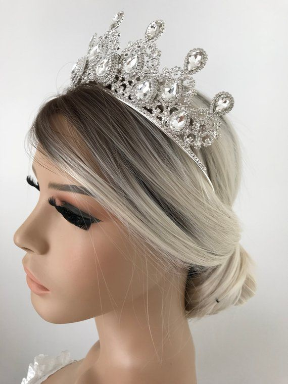 Crystal Wedding Tiara Crystal Wedding Tiara Bridal Tiara Etsy Crystal Bridal Tiaras Crystal Wedding Tiaras Wedding Tiara