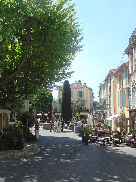 Mougins by Blue Blanket, via Flickr