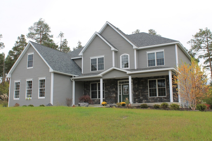 Paint sw dove gray stone is stonecraft gray cobblestone flats from lowes house exterior for Lowes exterior paint color schemes