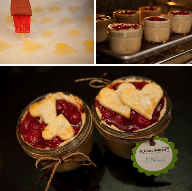 Canning jar desserts: Minis Pies, Baby Food Jars, Wedding Favors, Recipe, Gifts Ideas, In A Jars, Baby Foods, Babyfood, Mason Jars