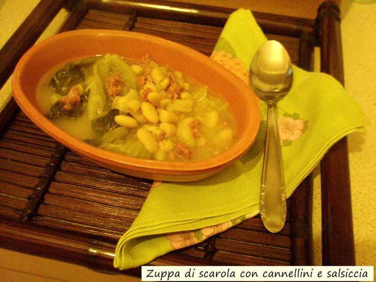 Zuppa+di+scarola+con+cannellini+e+salsiccia