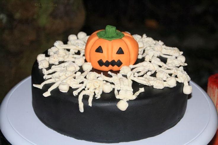 Ein kleiner Rückblick: Meine Halloween-Torte 2013