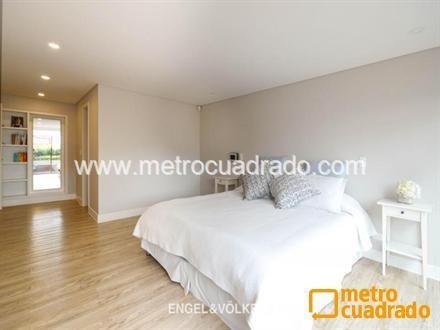 Casa en Los Rosales con 2 habitaciones, 3 banos - 8