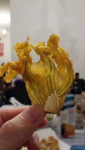 Il fiore di zucca fritto perfetto che non si ripeterà mai più