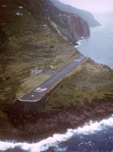 #Juancho_E_Yrausquin_Airport is the world dangerous airport at #Saba_Island in #Caribbean http://en.directrooms.com/hotels/continent/9/