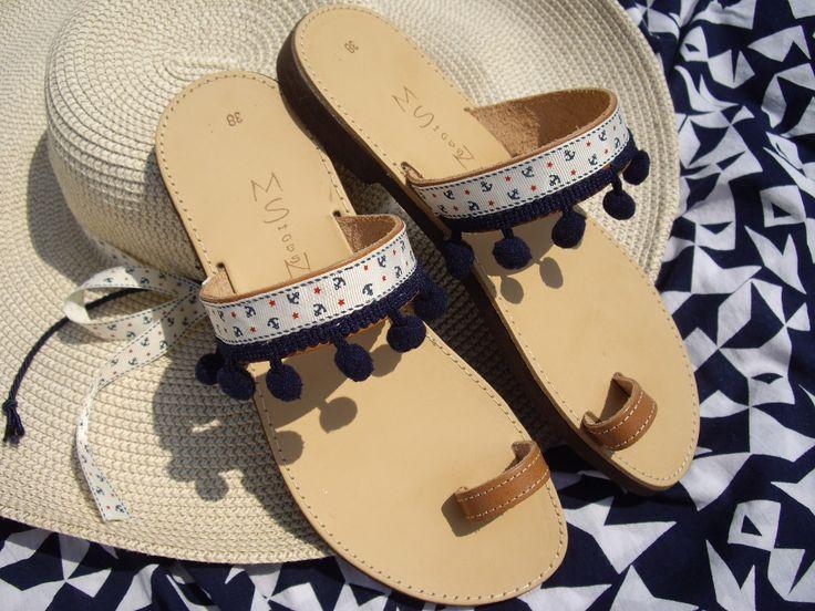 Σανδάλια με πομ πομ. Κωδικός: 10076/1 #jewelleryfromourheart #thessaloniki #accessories #sandals #anchors #pompom #fashion #beach #summer #ss2016