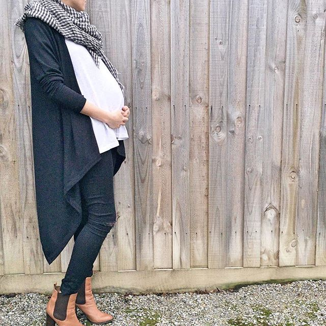 Effortlessly cool maternity fashion // available soon // join our mailing list…