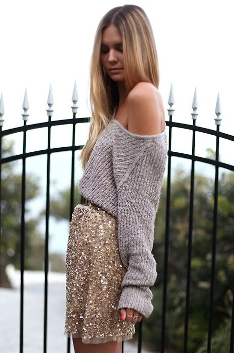 sparkly gold skirt paired with an oversized sweater: Slouchy Sweaters, Sequins Skirts, Style Inspiration, Skirts Outfits, Sparkly Skirts, Saia Mini-Sequins, Sequinskirt, Closet, Sparkle
