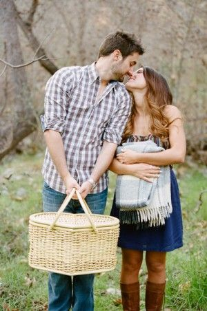 Sweetheart Picnic Engagement. Oooooh, this hearkens to our first date! :)