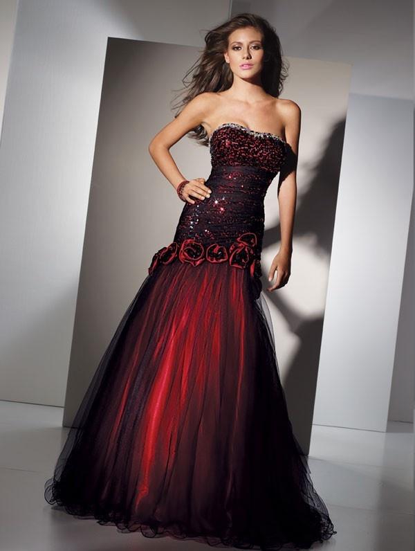 this is the grad dress i want. a little early to pick out a dress, but i fu*kin' loveeeeeeeeeee it :)