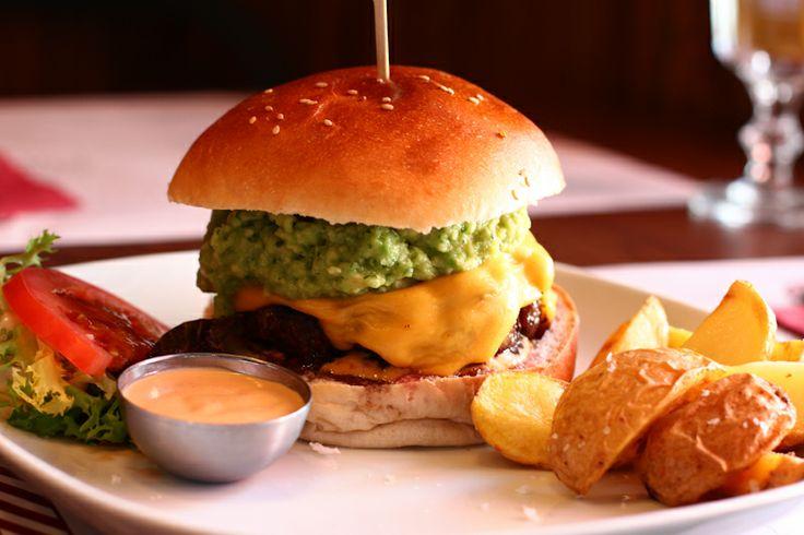 Chipotle burger,  burger con guacamole, queso cheddar y la salsa chipotle de Goiko Grill  https://www.facebook.com/goikogrill Hamburguesas Madrid c/María de Molina 16 La mejores hamburguesas de madrid