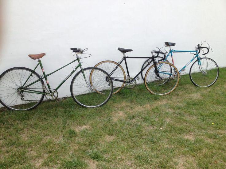 """Trois Vélos Gitane """"femme homme enfant""""Loués individuellement, bon état de fonctionnement.Le plaisir de rouler rétro !"""