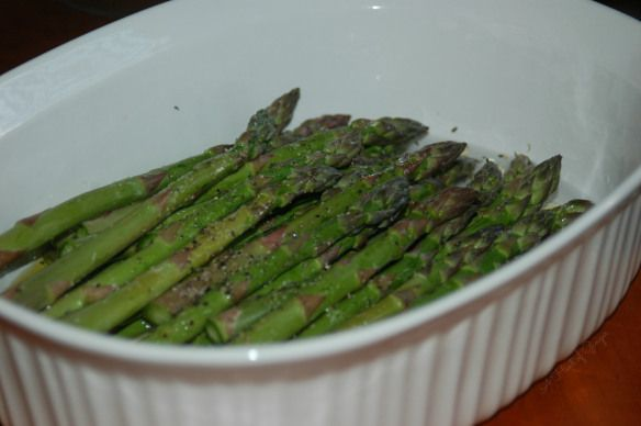 Asparagus - Easy Microwave Trick for Simple Steamed Asparagus   {A Hint of Ginger | Blog}