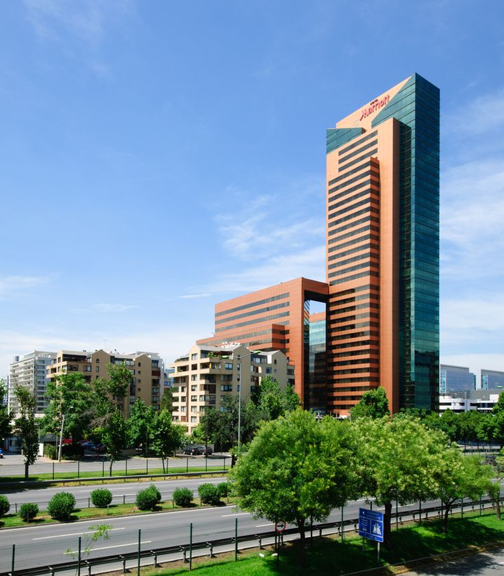 Hotel Marriot, Avda. Kennedy, Santiago, Chile. Foto_Fegophoto