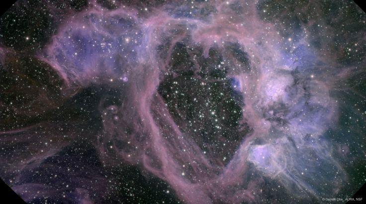 """Imagen del Gemini de la nebulosa N44, en la Gran Nube de Magallanes. El agujero del centro de esta """"superburbuja"""" mide 250 años luz."""