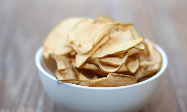 Cinnamon apple chips - Kidspot