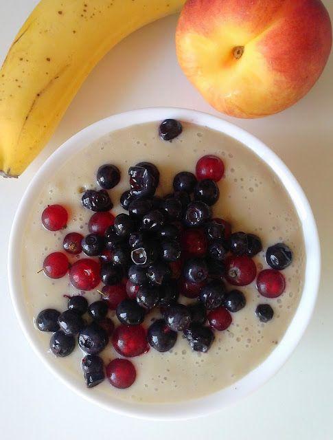 WEGANIZM UDOMOWIONY: Śniadaniowy, jaglany budyń z owocami