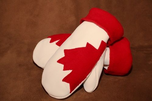 White deerskin Canadiana Mitt. #leather #Canada #handmade #Rockwood #Ontario #like #daily #fashion #hidesinhand #proud