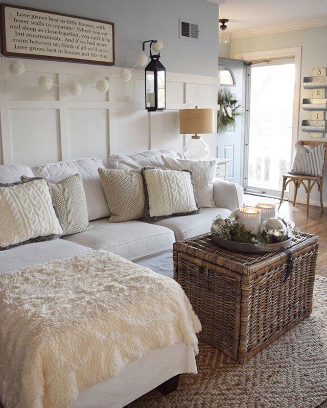 Pillows, walls, trunk