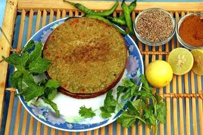 For Spicy PaniPuri Khakhra follow the link given below   http://www.easyindianfoodrecipes.info/recipe/pani-puri-khakhara.html
