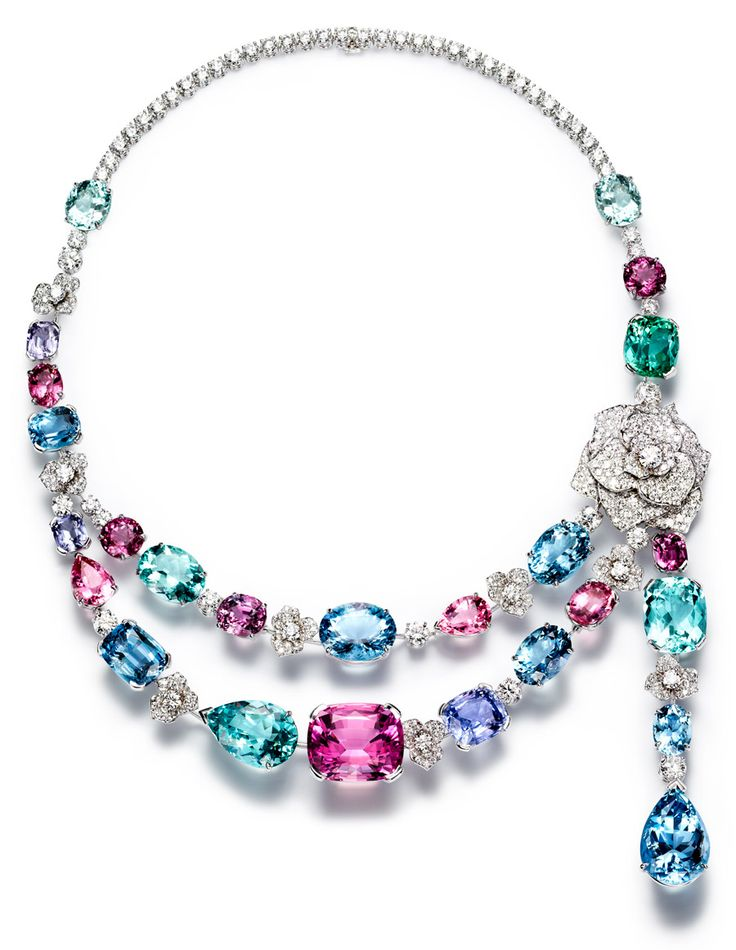 Piaget Rose - Limelight Garden Party necklace in 18K white gold set with 396 brilliant-cut diamonds (approx. 23.97 cts)