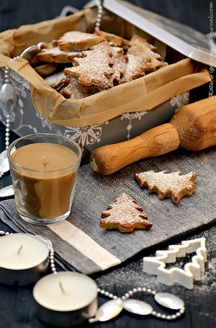 52 best feels like christmas images on pinterest la for Chocolate gingerbread twigs