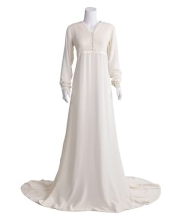 white abaya - looks best in nikah...minimalist is more...