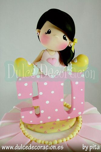 Lalyta 30 años, muñeca decorada