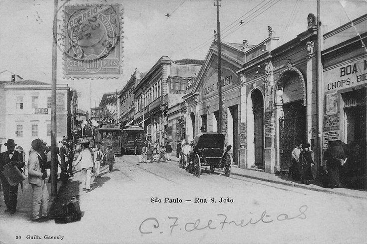 Início século 20 - Início da avenida São João, região da Sé. À direita temos o Cassino Paulista. Postal com foto de Guilherme Gaensly.