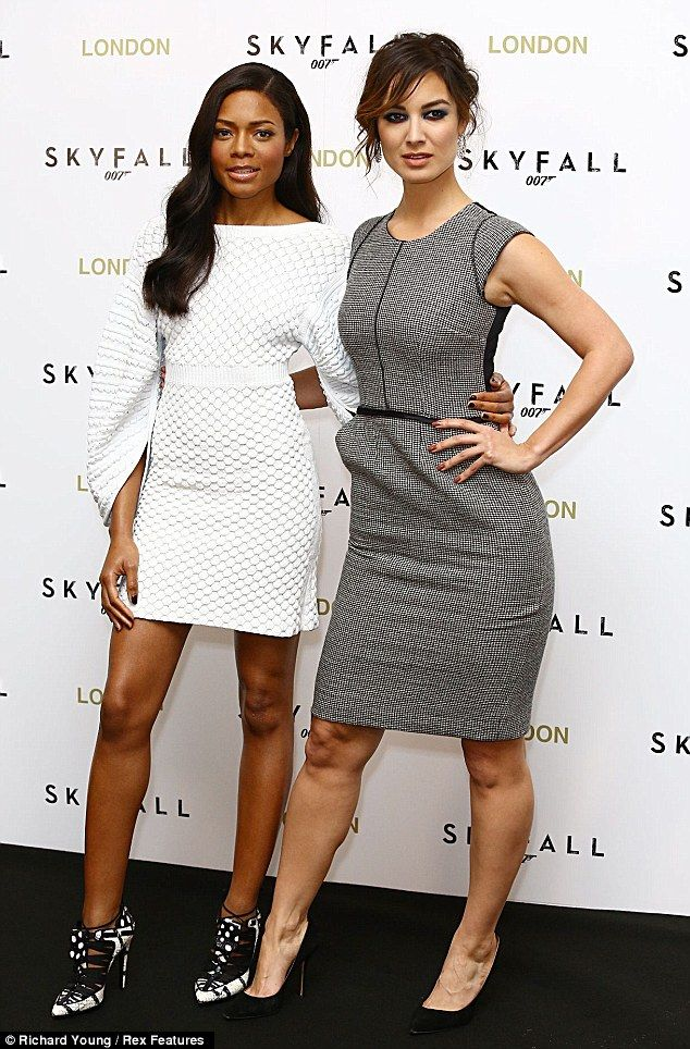 A View To A Thrill Stunning Bond Girls Naomie Harris And Berenice Marlohe Leave Daniel Craig Shaken And Stirred At Skyfall Photocall Berenice Marlohe Girl Bond Girls