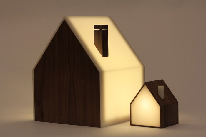 Good Night Lamp, A Set of Lamps that are Synced via the Internet