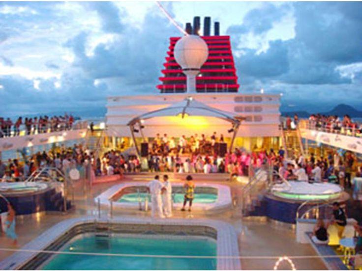 Fiesta a bordo y mucha diversión.