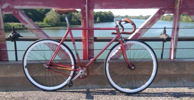 Fixie d'un internaute sur la base d'un vélo de course Vitus 788 | Fixie Singlespeed, infos vélo fixie, pignon fixe, singlespeed.