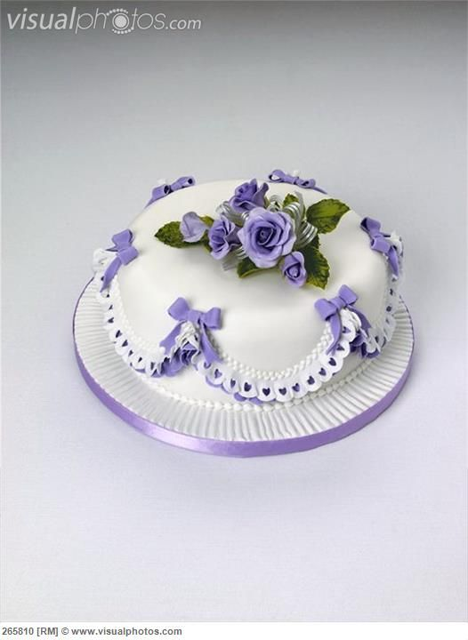 cake with roses and bows