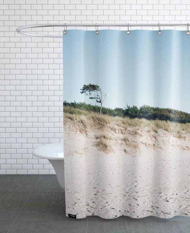 Naturstrand als Duschvorhang von Picture On The Fridge | JUNIQE