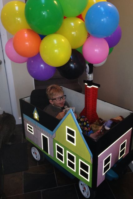 But by last year Jackson was getting too big for that. Tracey challenged Chad to make the house from Up and this amazing rig was built on a wagon. | This Dad Makes The Most Amazing Costumes For His Son With A Disability