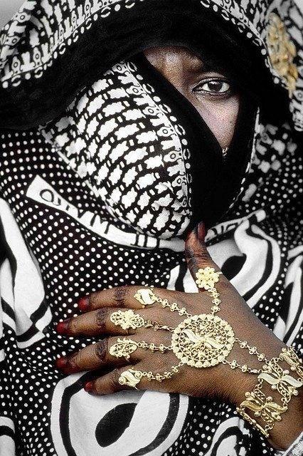 Omán, un país de contrastes. Es la tierra del incienso y de Simbad 'el Marino'... (Mujer Sunita en la Sultanía de Omán)#1000ViajesEstrella  http://agente.1000tentaciones.com/ahorrovacaciones