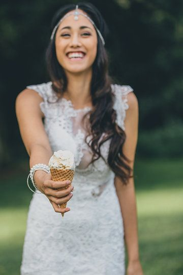 the bride and her bouquet of ice cream!