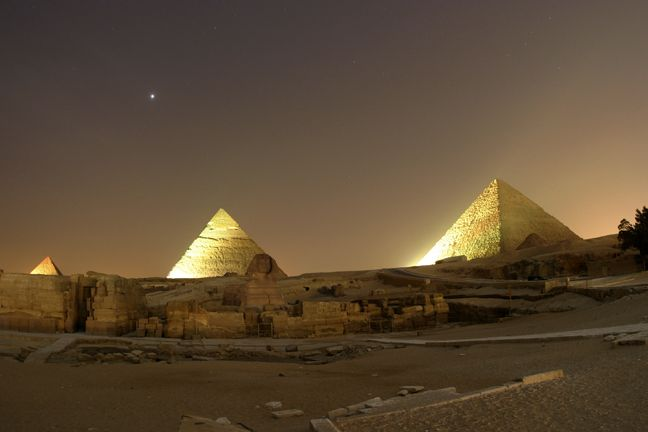 Giza. Us two combine with 40ºC on daylight will melt us apart, Ivote for riding camels in Egypt at night.