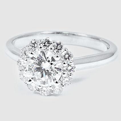 Best 25 Flower diamond rings ideas on Pinterest Round diamond