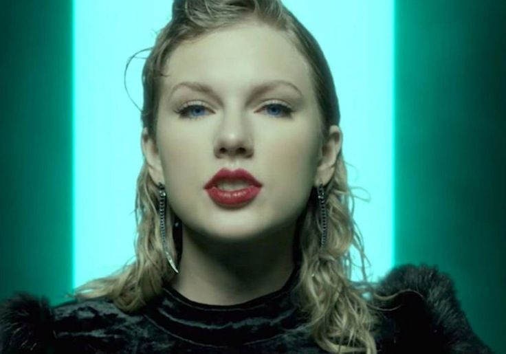 Taylor Swift On Track For Top Billboard Charts For 2017 As 'Look What You Made Me Do' Remains Number One #TaylorSwift celebrityinsider.org #Music #celebritynews #celebrityinsider #celebrities #celebrity #musicnews