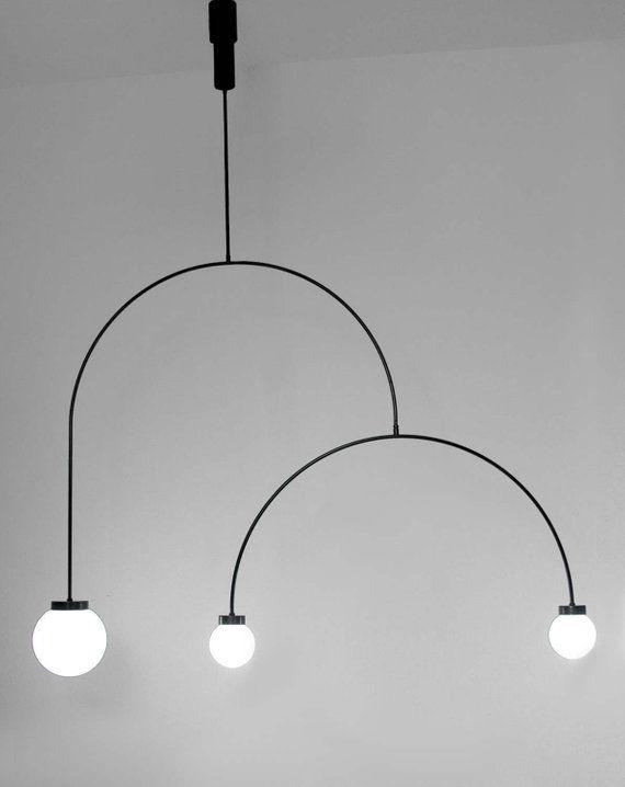 Illuminazione Scultorea Con Bracci Rotativi Opale Ciondolo Luce Minima Geometric Globo Scultorea Ponz Home Design Chandelier Lighting Pendant Light Light
