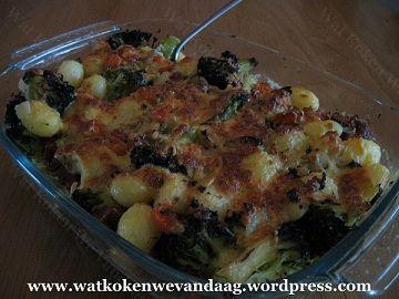 """""""Recept"""" Ovenschotel broccoli, wortel en krieltjes Categorie: Hoofdgerecht, Ovengerecht Aantal personen: 4 Bereidingstijd: ca. 45 minuten Ingrediënten: 500 gram broccoli, in roosjes 800 gram aardap..."""