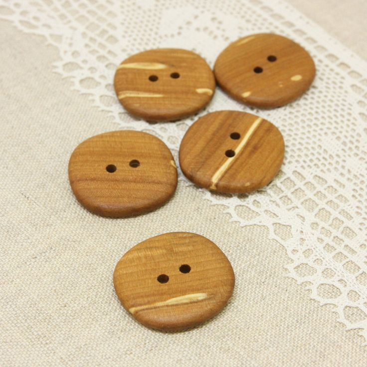 Round applewood #buttons