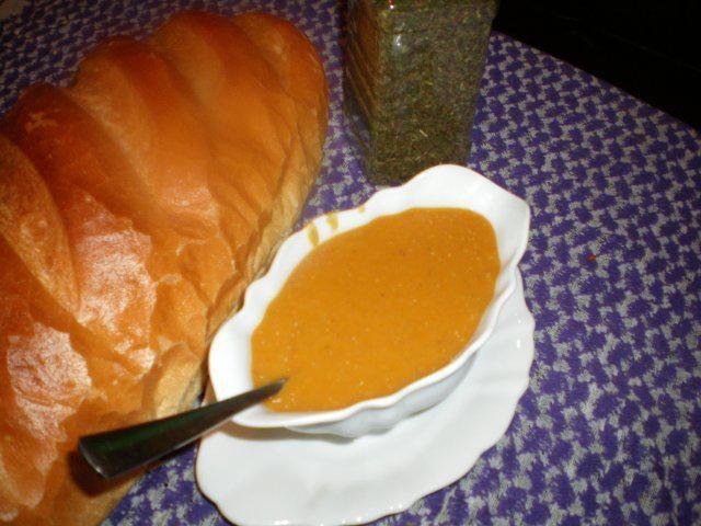 Das perfekte israelische linsensuppe - מרק עדשים-Rezept mit einfacher Schritt-für-Schritt-Anleitung: zwiebeln in olivenöl mit dem tomatenmark…